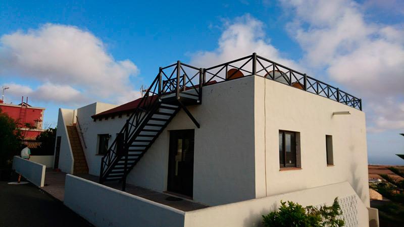 Barandilla para escalera y terraza en diseño tradicional